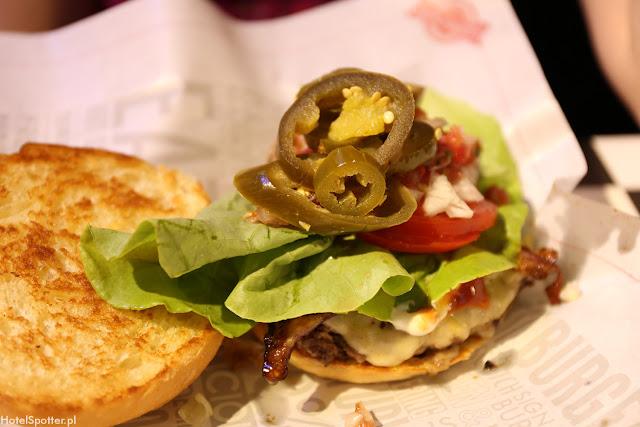 Amerykanska restauracja Fuddruckers Warszawa - burger