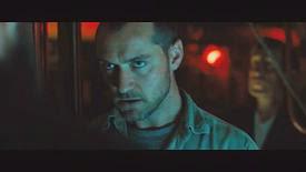 """Jude Law donne dans le """"genre de films de sous- marins"""""""