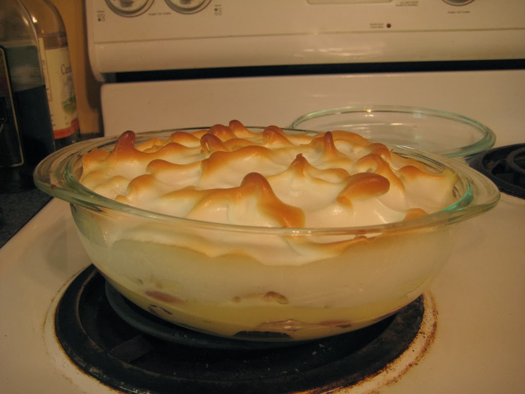 ... Dragon's Kitchen: Baked Banana Pudding with Meringue Topping Recipe