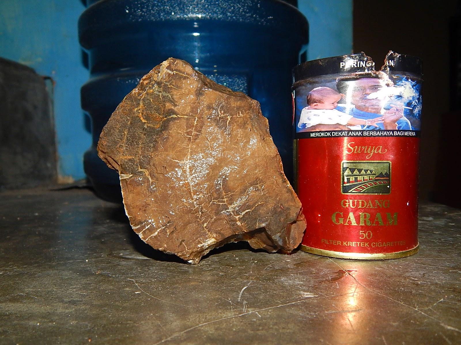 Bongkahan Fosil Kristal Sumbawa