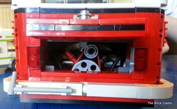 LEGO T1  Volkswagen Splitscreen Campervan set 10220 engine bay
