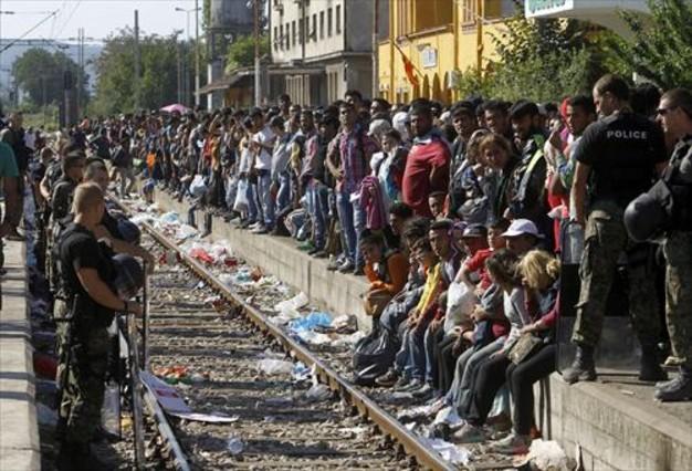 En la luchita la crisis de los refugiados no m s for Que portent les juifs sur le front
