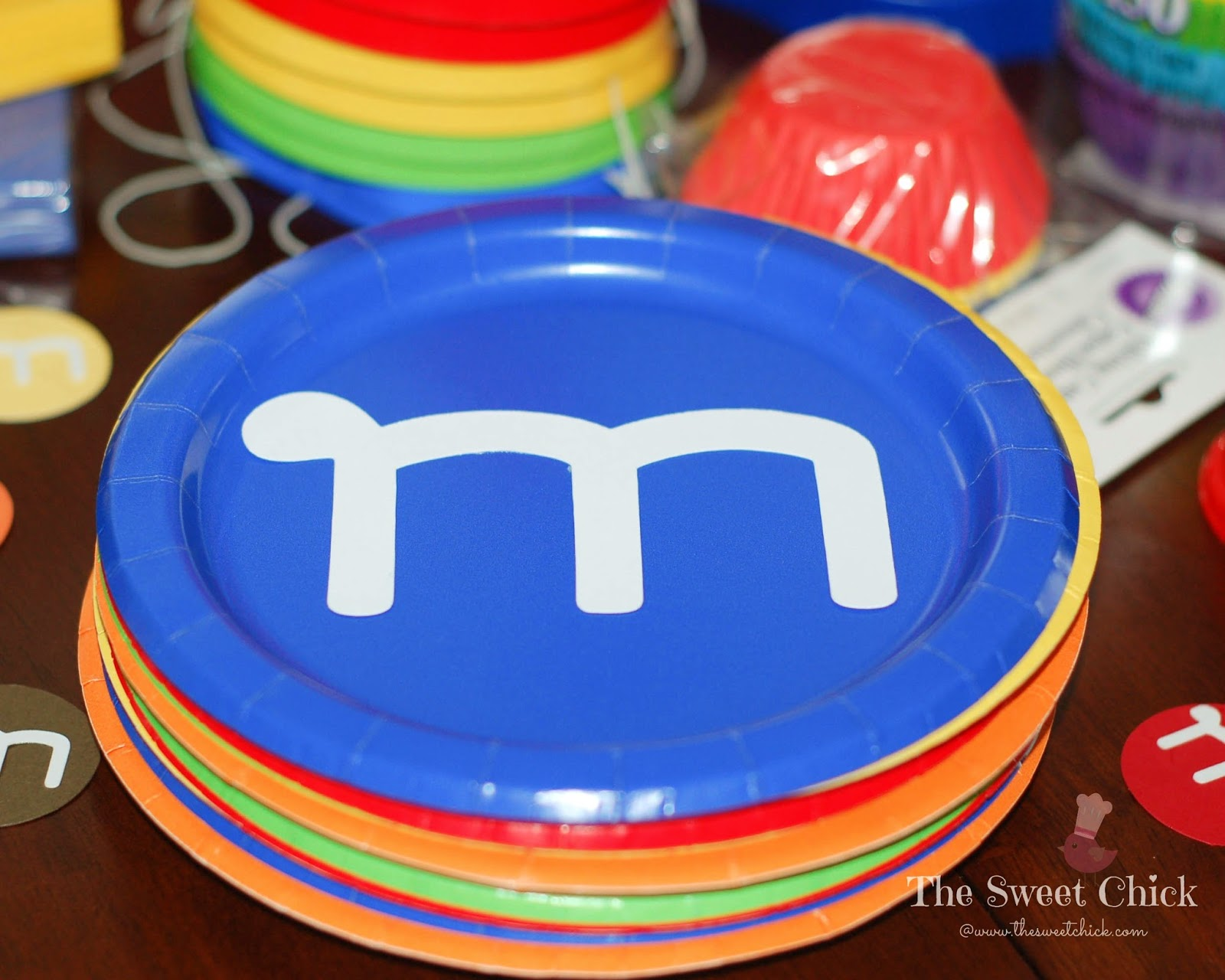 M&M Party Plates by The Sweet Chick