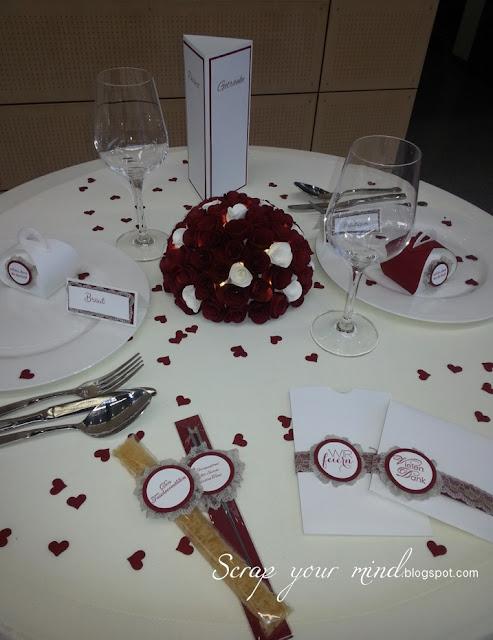 Hochzeit-Papeterie-Rosen-Einladungen