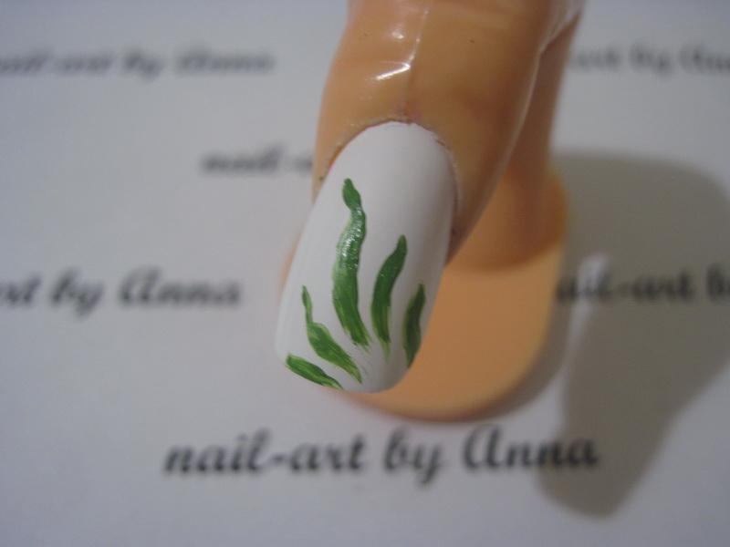 Маникюр зеленые листья