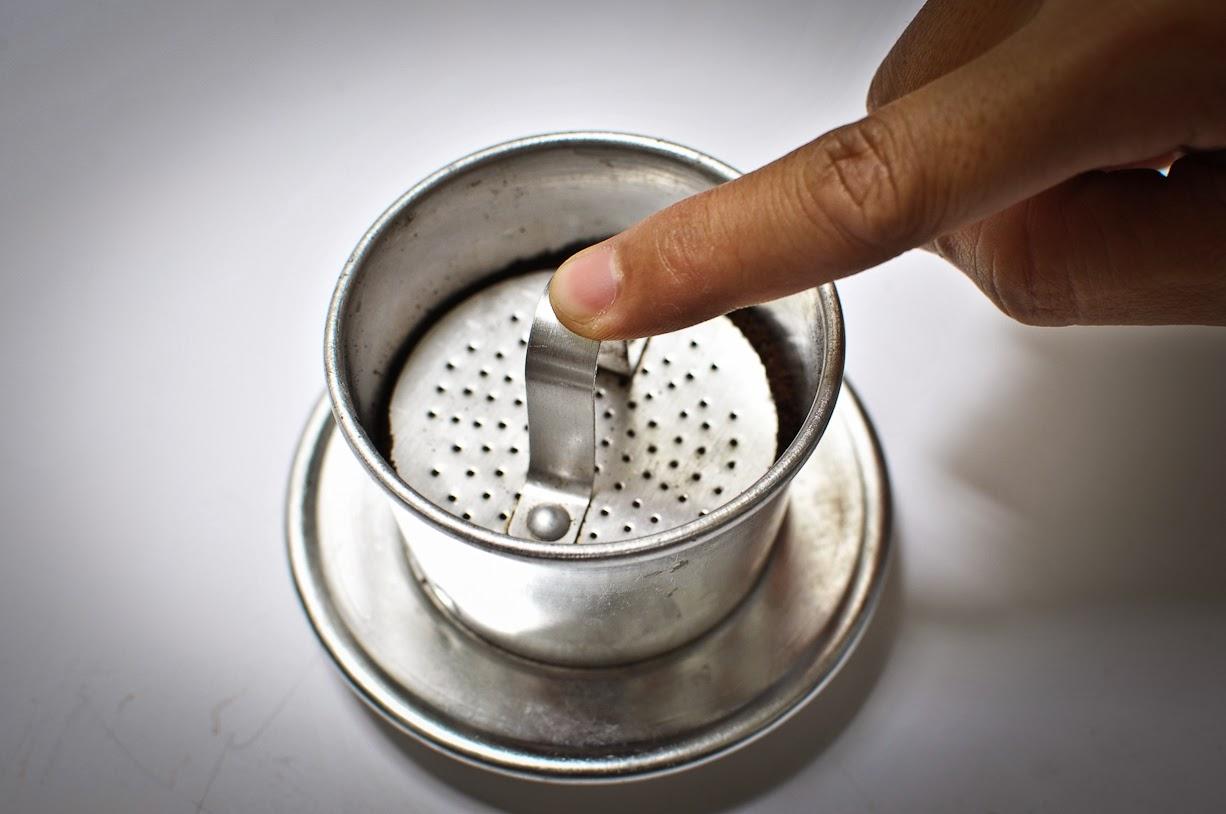 Cách pha cà phê phin ngon 2