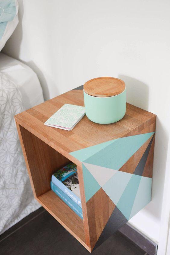 La fabrique d co id es de tables de nuit r cup rangement petits espaces am nagez votre - Cube de chevet ...