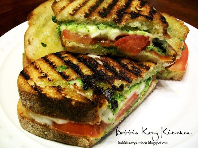 Grilled Pesto, Mozzarella, and Tomato Sammies | Bobbi's Kozy Kitchen