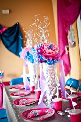 C mo decorar la mesa para una fiesta decoraciones para - Como decorar mesas para fiestas ...