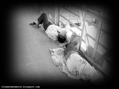 poor people, poor indian people, poor sleeping at streets