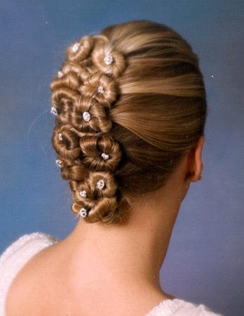 Peinados de moda y mucho mas mo os para novias for Monos novia