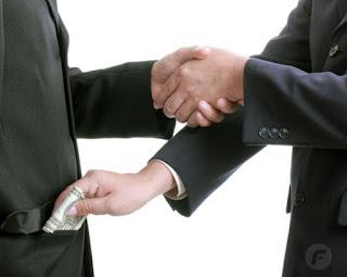 En el Servicio de Administración Tributaria (SAT) se dan actos de corrupción.
