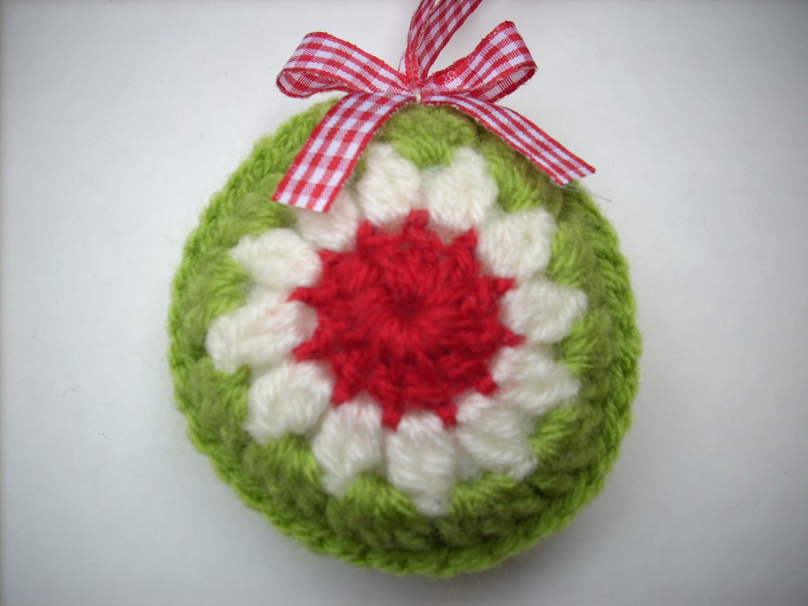 Crochet Ornaments : Scraponique: Gehaakte kerstballen - Crocheted ornaments