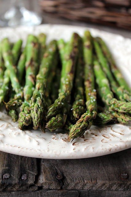 grilled asparagus recipe from cherryteacakes.com