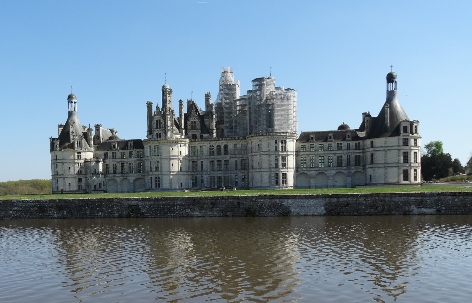 Experience loire loire valley france tourism chateau de for Chambre chateau