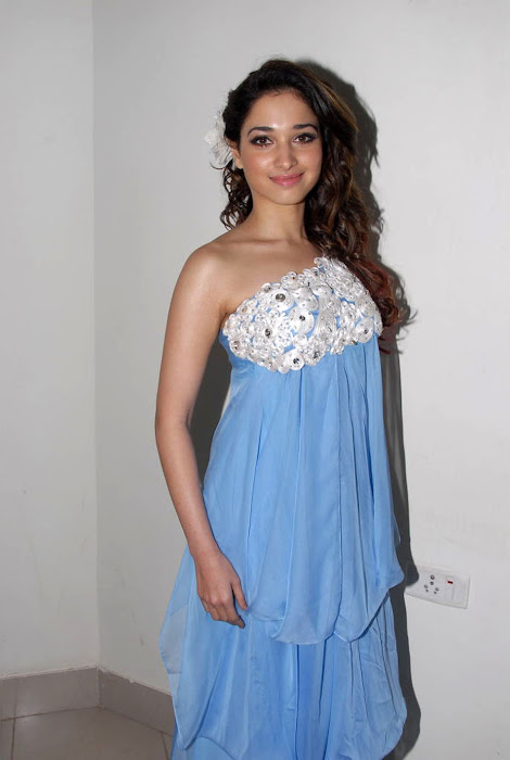 tamanna new at oosaravelli audio launch, tamanna photo gallery