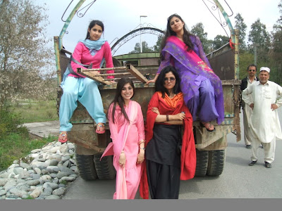 Beautiful Pakistani College Girls Trip Pictures Gallery