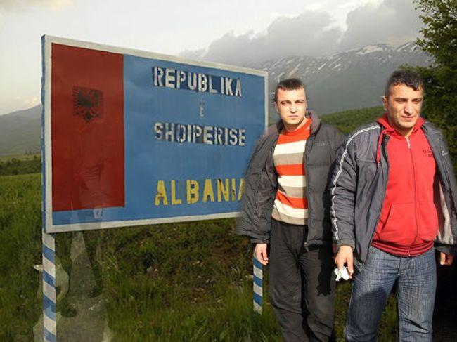 Άρον άρον φεύγουν οι Αλβανοί από την Ελλάδα! (Εικόνες)