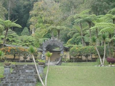Bedugul Bali Botanical Garden - Lake Bratan