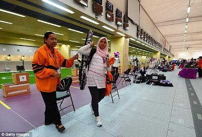 article 0 14358DE7000005DC 562 634x429 Panas : Bila penembak Malaysia yang hamil dipersendakan diluar negara