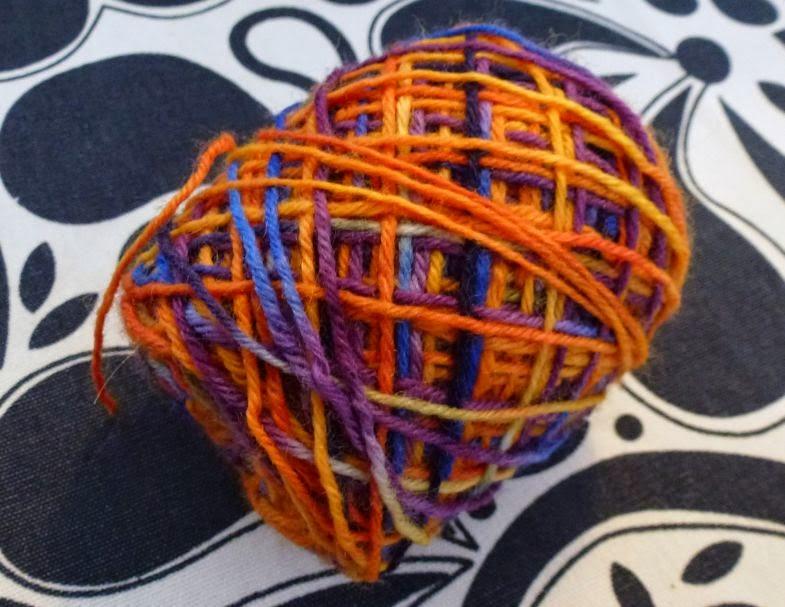 selbstgefärbte Wolle orange, gelb, blau,lila