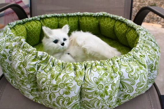 https://www.etsy.com/listing/188752588/cat-bed-in-spring-green-and-cream-from?ref=favs_view_3