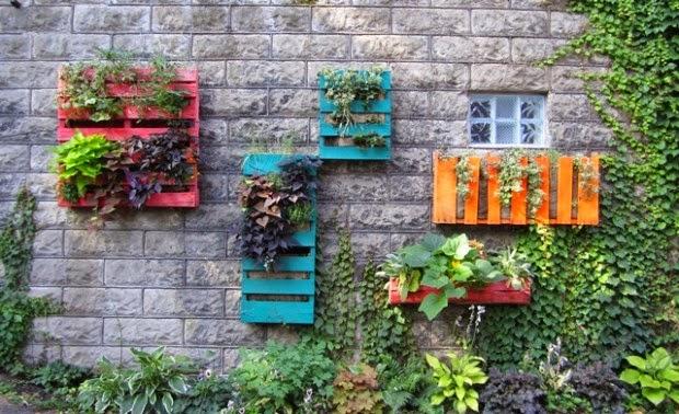 Progettare spazi verdi: come creare una fioriera con i pallet