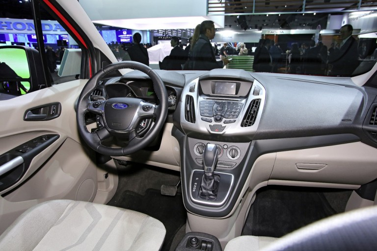 Detroit 2013: Ford Transit Connect as a round thing - Live Photos