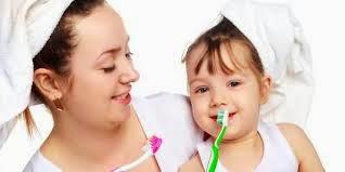 Cara Merawat Gigi Sejak Kecil