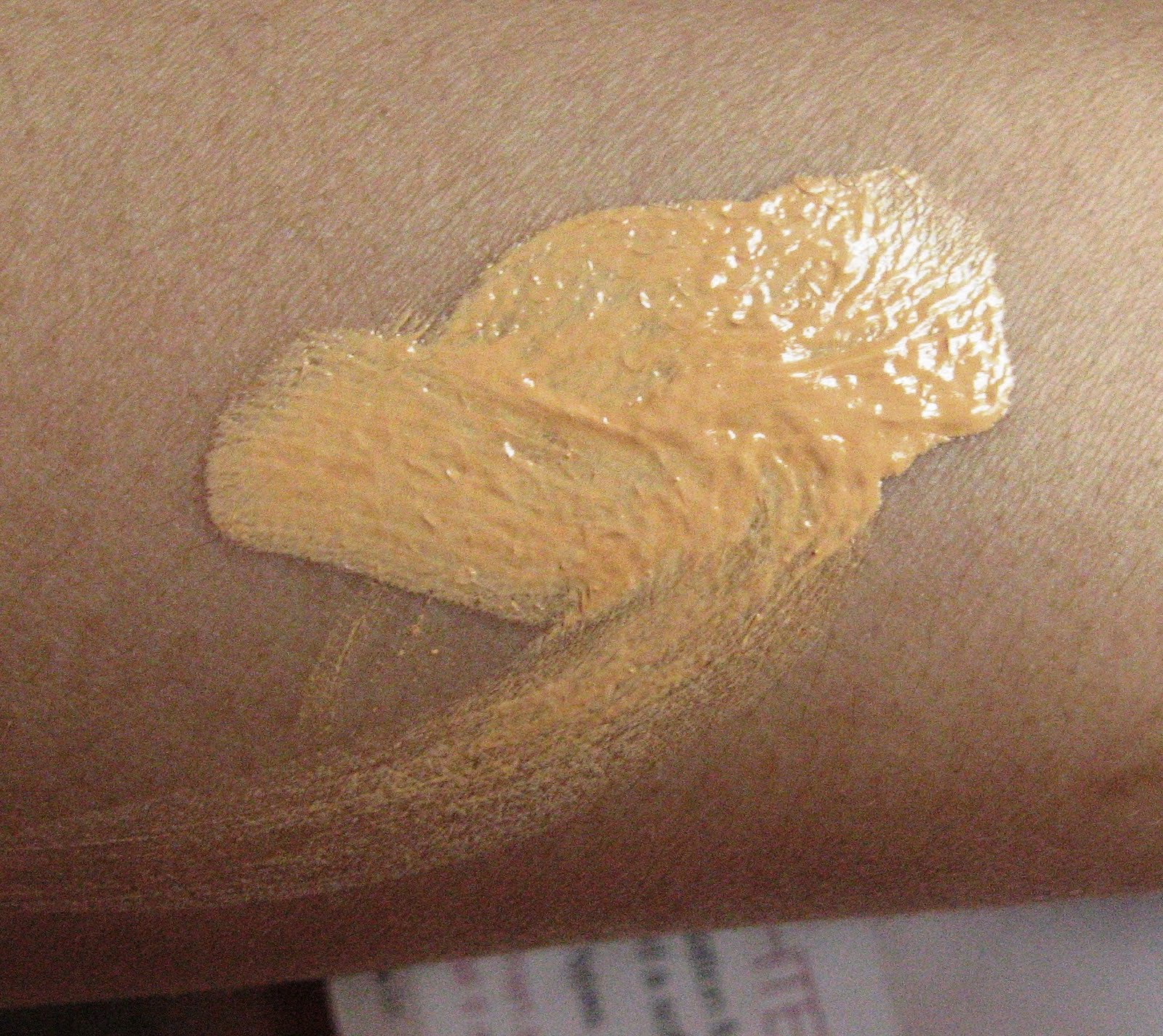 Lakme 9 to 5 foundation in Shell: Swatch unblended