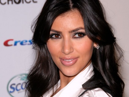 kim kardashian wallpapers hot. kim kardashian wallpapers hot.