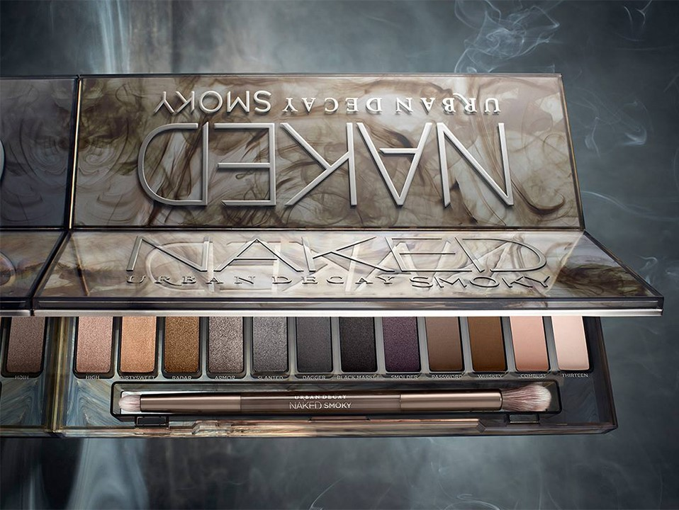Urban Decay Naked Smoky Palette Details