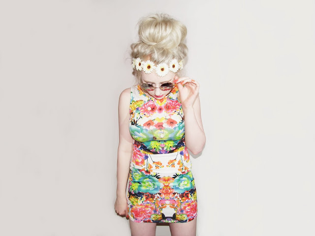 Sammi Jackson - Floral Dress + (Giveaway)