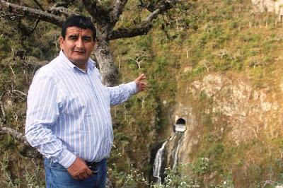 Presidente regional de Lambayeque, Humberto Acuña, autorizó apertura de la bocatoma para el paso del agua por el túnel Trasandino.