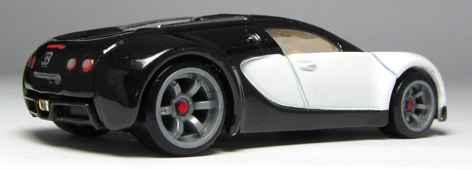 bugatti veyron wheels price these cufflinks are made from the aluminum of a bugatti veyron 39 s. Black Bedroom Furniture Sets. Home Design Ideas