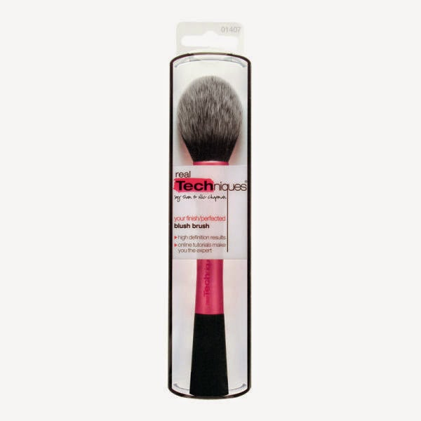 blusher brush 2015, best brush for blusher 2015, blush brush by Real Techiques, blush brush review,