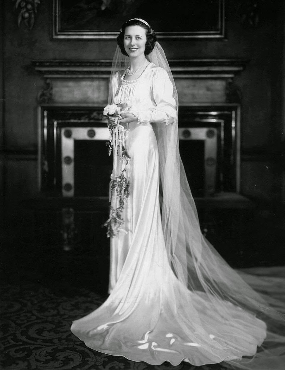 11 beautiful vintage bridal gowns in cleveland from the for 1930s style wedding dresses