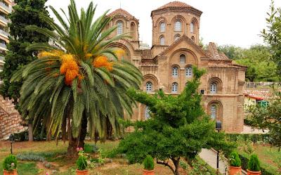 http://galazioneiro.blogspot.gr/,