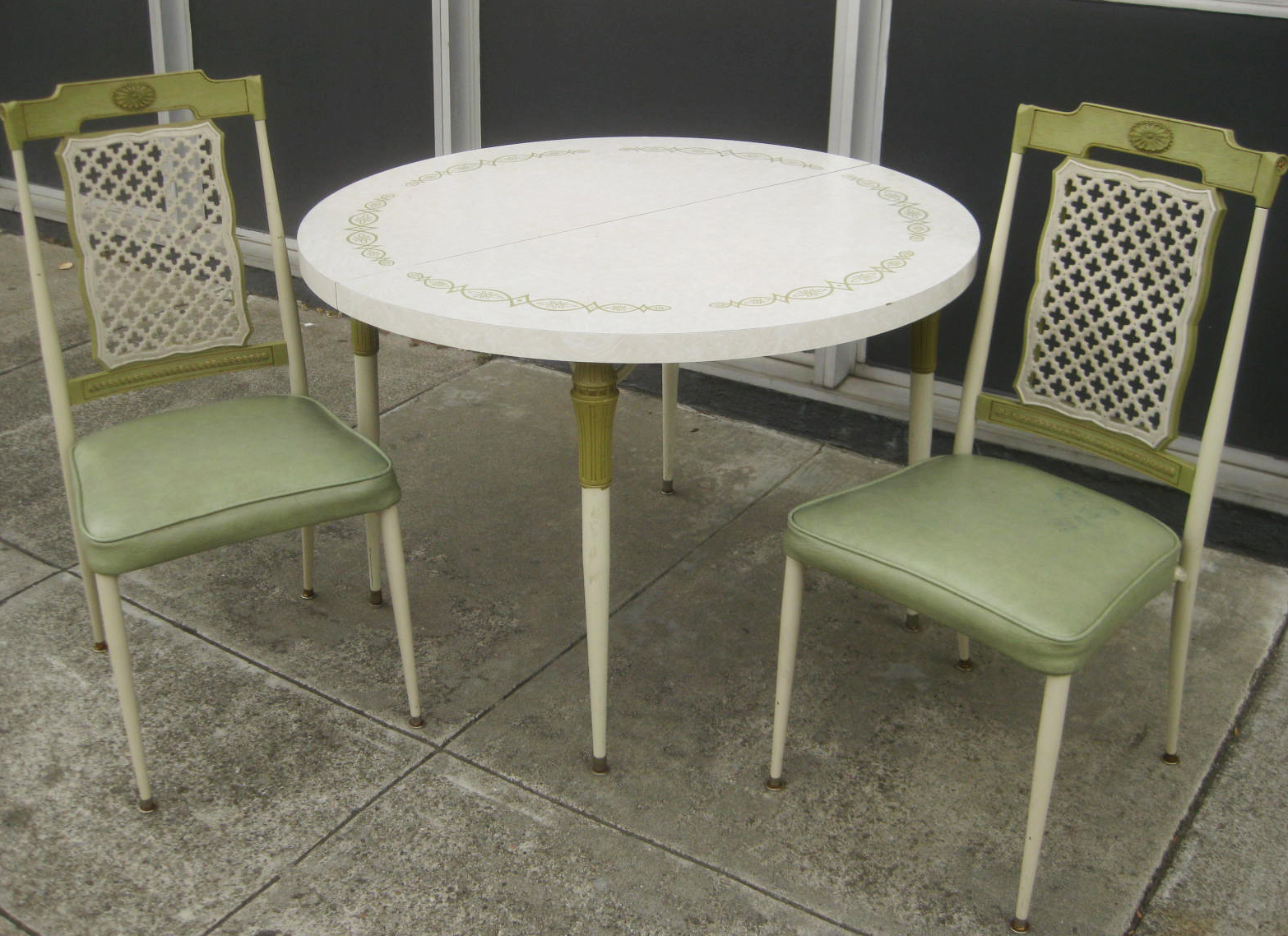 Amazing SOLD - Retro Kitchen Table and 2 Chairs - $70 1566 x 1138 · 1155 kB · jpeg