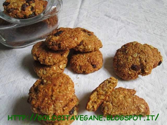biscotti, cannella, cocco, cocco disidratato, digestive, Dolci, farina di soia, farina semi integrale, fiocchi d'avena, muesli, noce moscata, ricette vegan, succo ace, uvetta, zucchero dulcita,