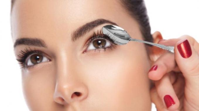 Lima Cara Paling Mudah Untuk Menghilangkan Mata Bengkak