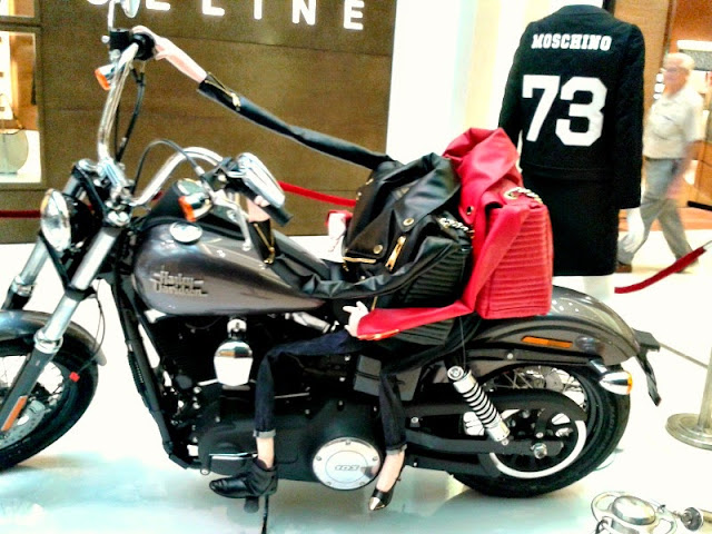 moschino-biker-bag-harley-exhibition
