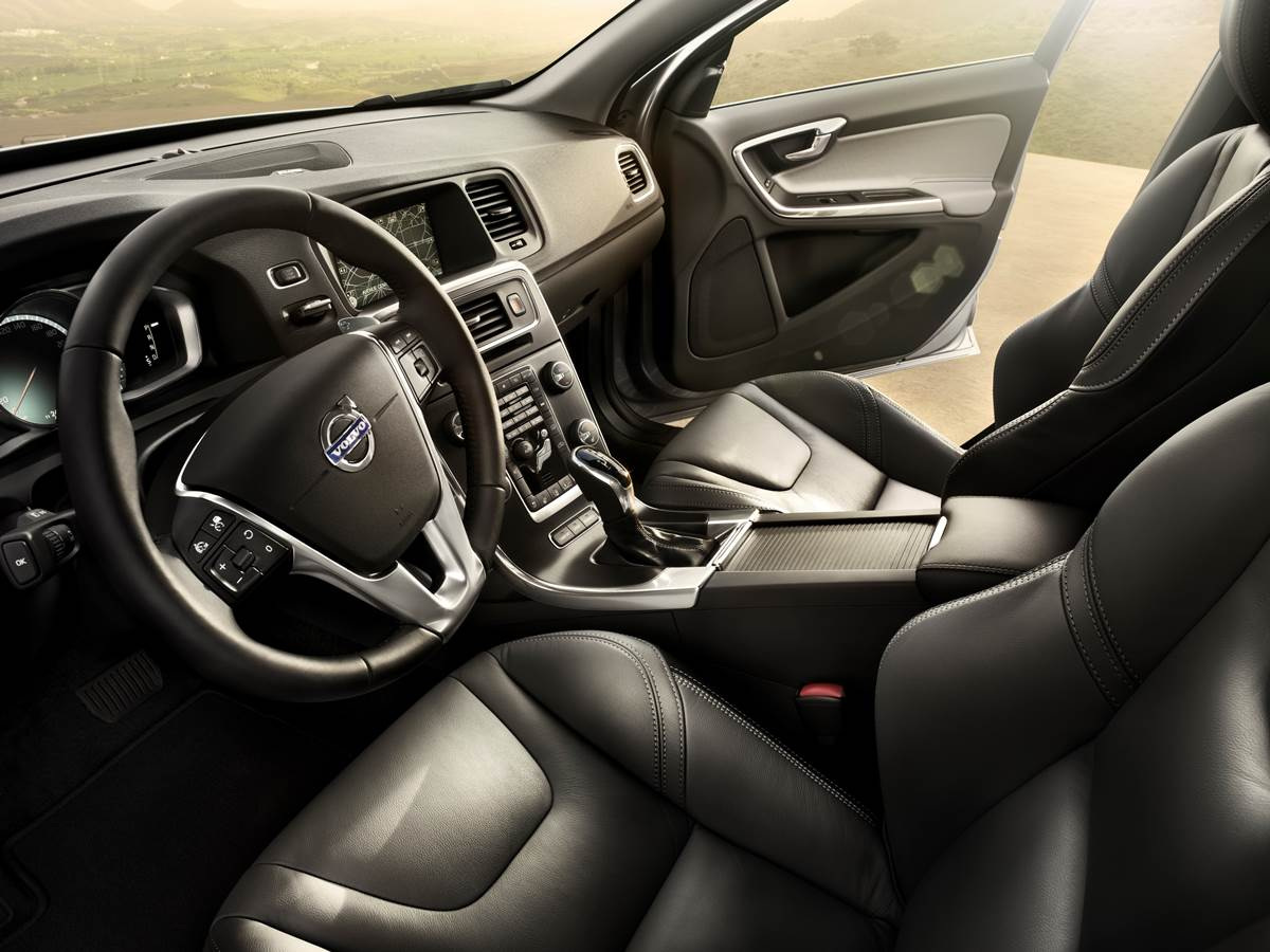 Volvo S60 2015 - interior