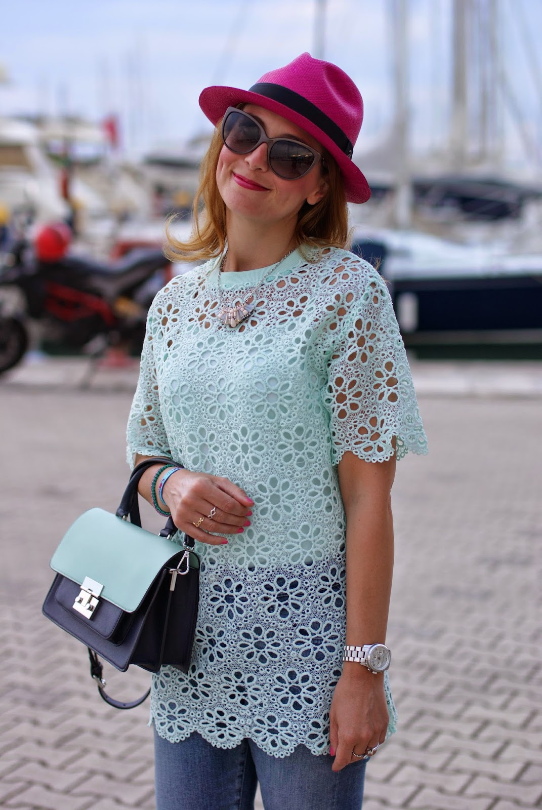 mint green crochet top, ecua-andino fuchsia hat, Fashion and Cookies, fashion blogger