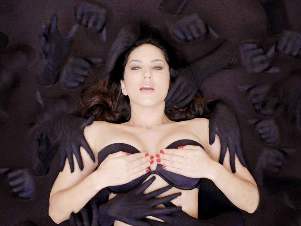 Baby Doll Sunny Leone hot Wallpaper from Ragini MMS