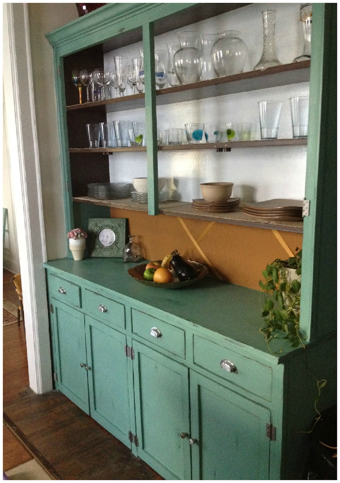 Beauty asylum distressed buffet from the 1930 39 s for Annie sloan chalk paint kitchen cabinets