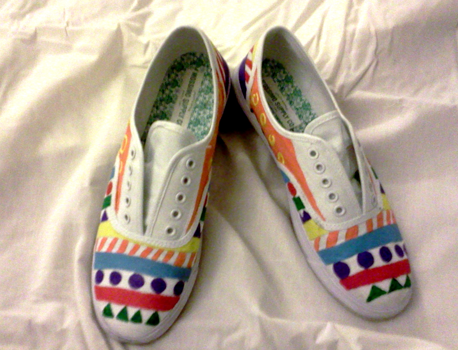 things and such diy painted shoe canvas