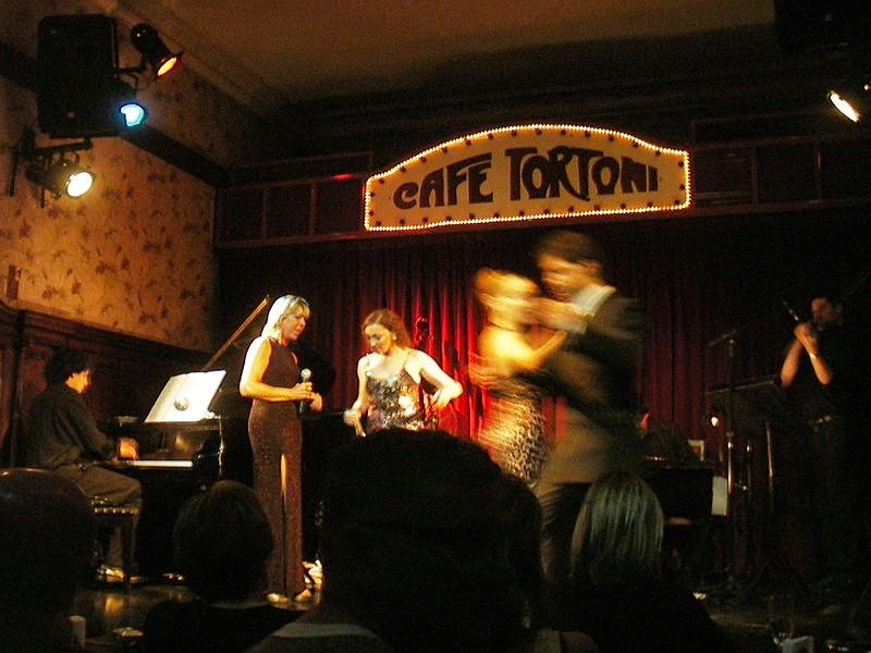 Show de tango no Café Tortoni em Buenos Aires