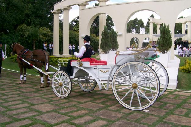 Onde alugar carruagem para casamento?