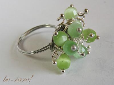 pierścionek wire wrapping gronka szklane koraliki